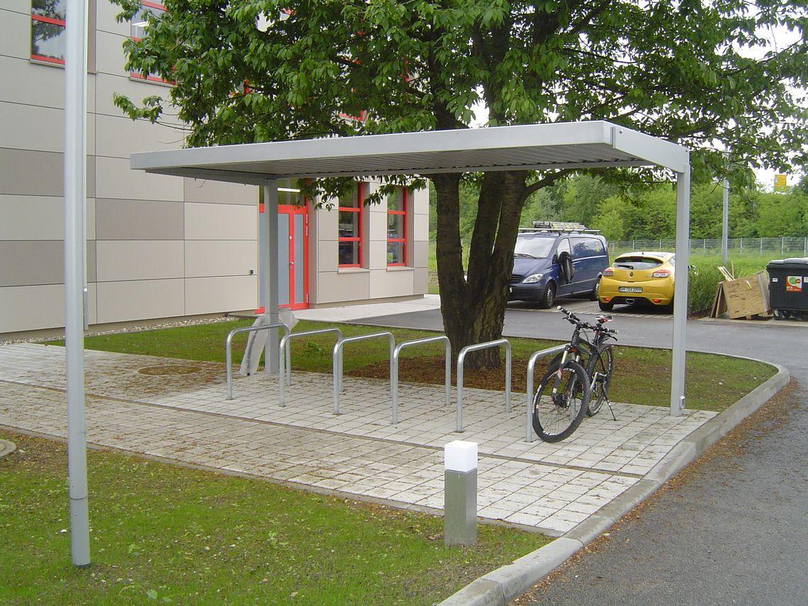 3-feldrige Fahrradüberdachung, einseitig