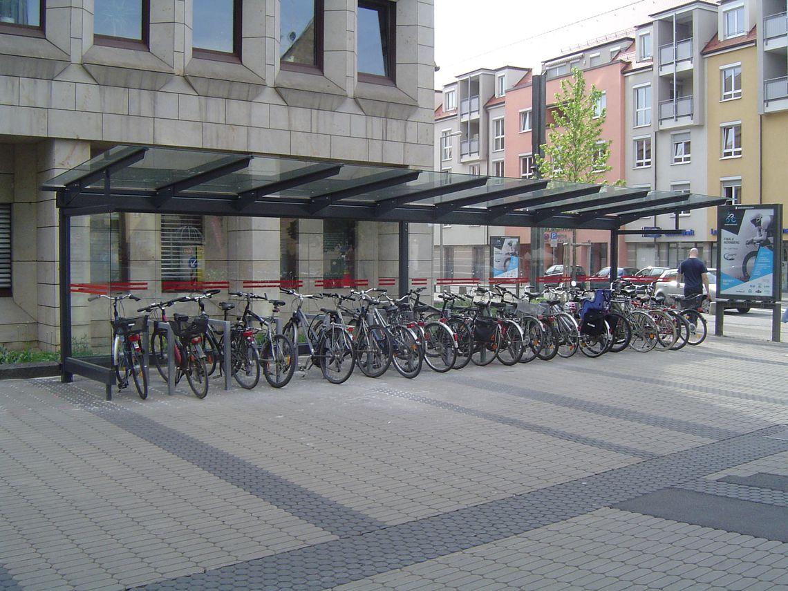 9-feldrige Fahrradüberdachung, einseitig