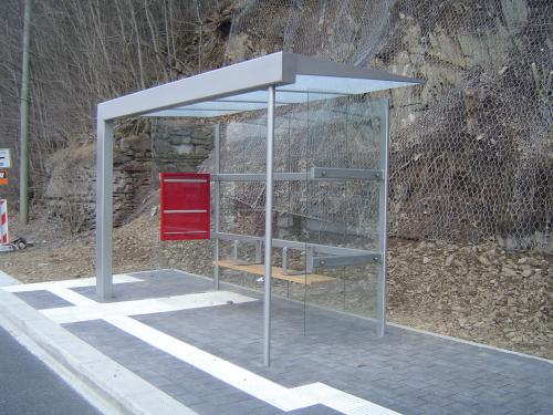 Wartehalle BUS-STOP 4-feldrig Seite