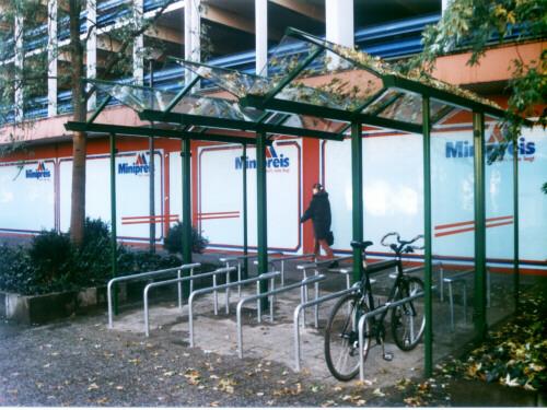 Fahrradüberdachung FH 1 3-feldrig, doppelseitig