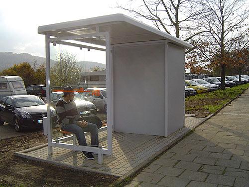 Wartehalle WH 5 mit integrierter Personaltoilette, weiß