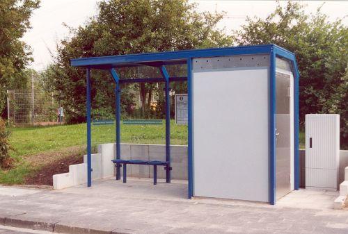 Wartehalle mit integrierter Personaltoilette, Blau