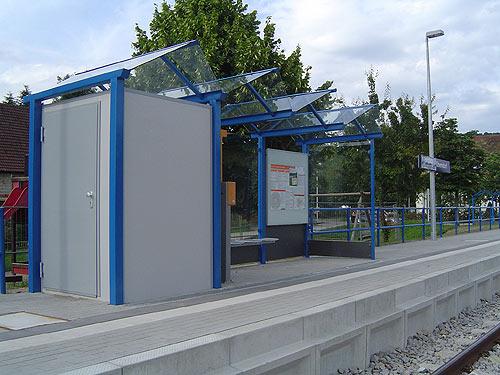 Wartehalle WH 1 mit integrierter Personaltoilette, blau