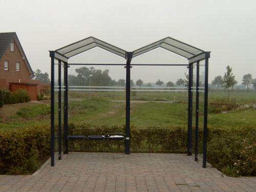 Wartehalle vor der Nachrüstung der Personaltoiletten