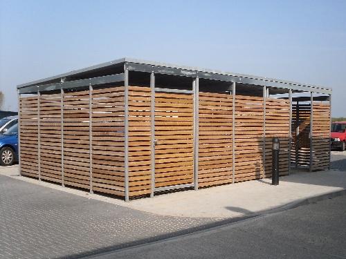 Universalumhausung Wartehalle Holz